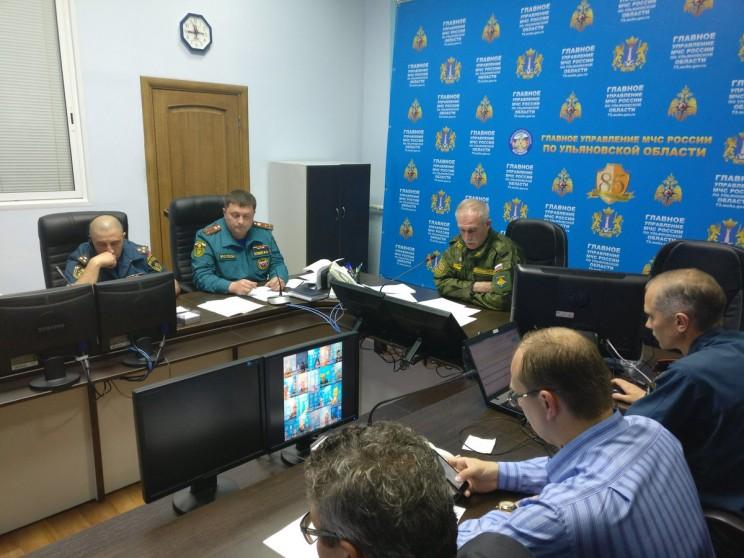 Губернатор Ульяновской области Сергей Морозов координирует работу всех служб в ситуационном центре.