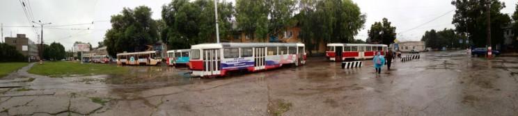 Трамваи встали