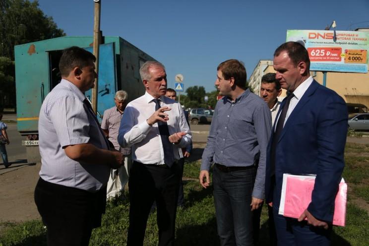 В Димитровграде на ул.Прониной полным ходом идёт замена сетей водоснабжения. Систему модернизируют полностью, работы ведутся по графику 1