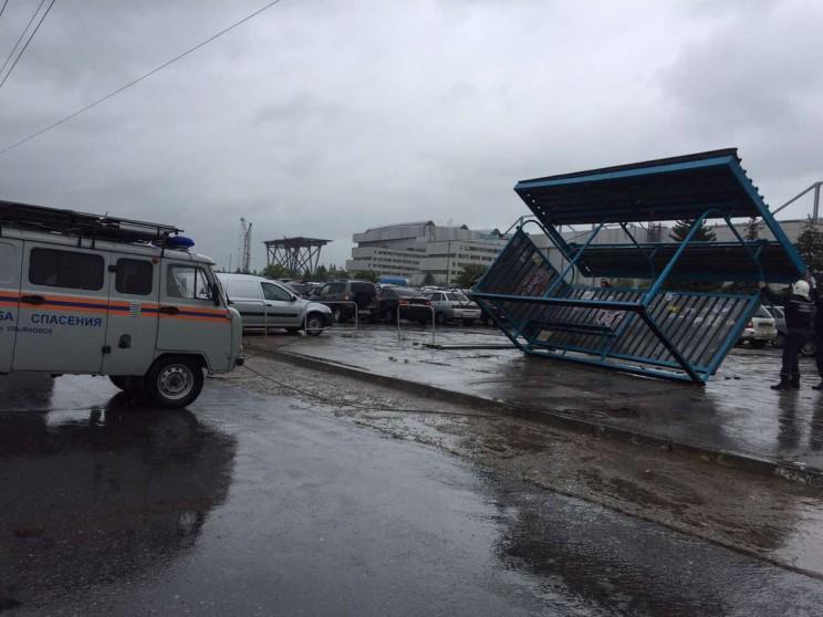 Последствия шторма в Ульяновске. Заволжский район, Новый город, пр. Антонова. 6 июля 2017 года.