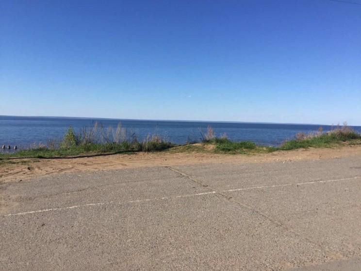 """Пляж в Заволжском районе Ульяновска, недалеко от кафе """"Роза ветров""""."""
