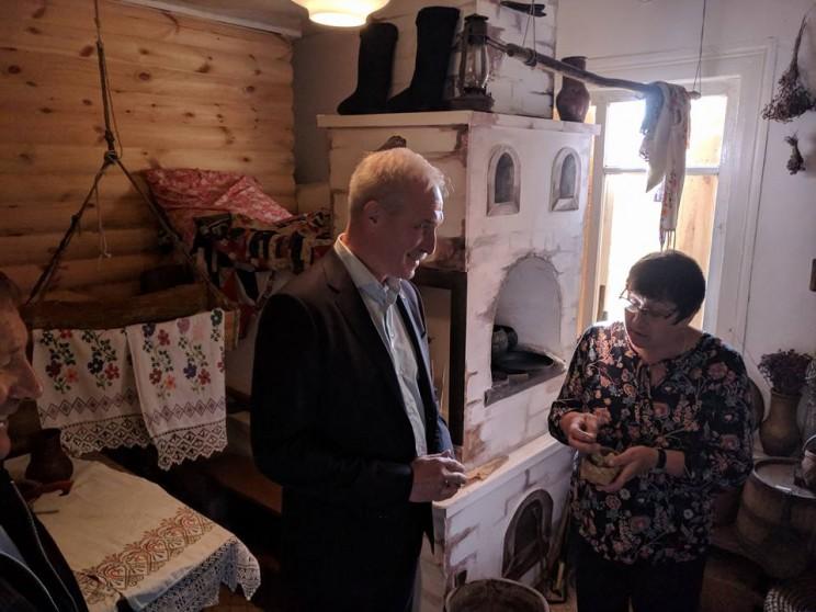 Губернатор Ульяновской области Сергей Морозов посещает Акшуатский краеведческий музей