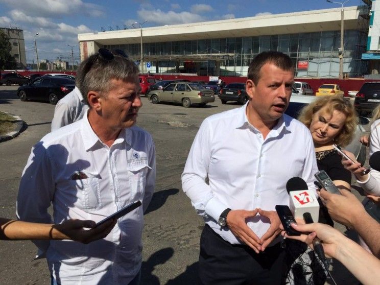 Главный архитектор Ульяновска Михаил Мишин (слева) и глава администрации Ульяновска Алексей Гаев (справа).