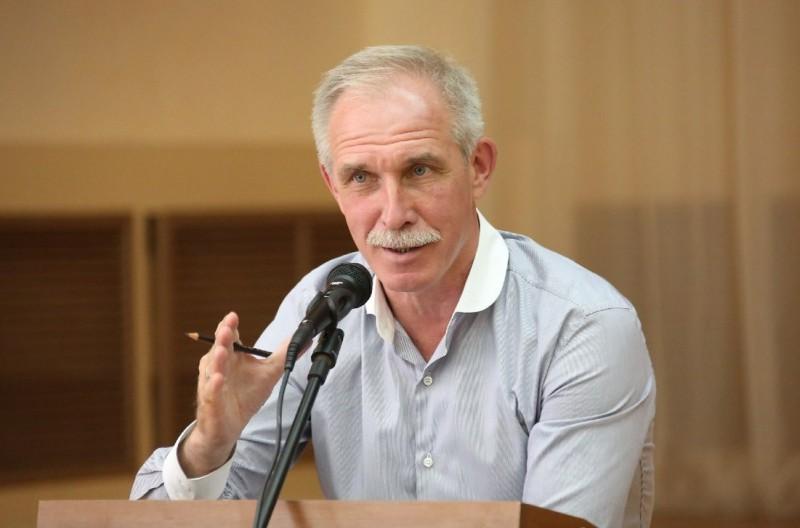 Сергей Морозов считает, что членам общественных палат всех уровней надо придать статус наблюдателей на выборах