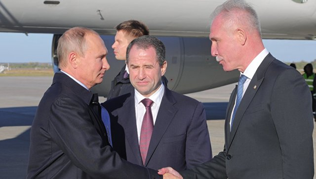 Слева направо: президент России Владимир Путин, полпред президента в Приволжском федеральном округе Михаил Бабич, губернатор Ульяновской области Сергей Морозов.
