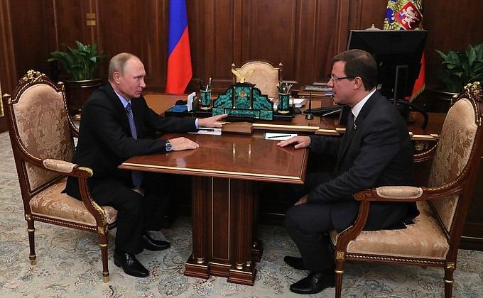 Владимир Путин и Дмитрий Азаров