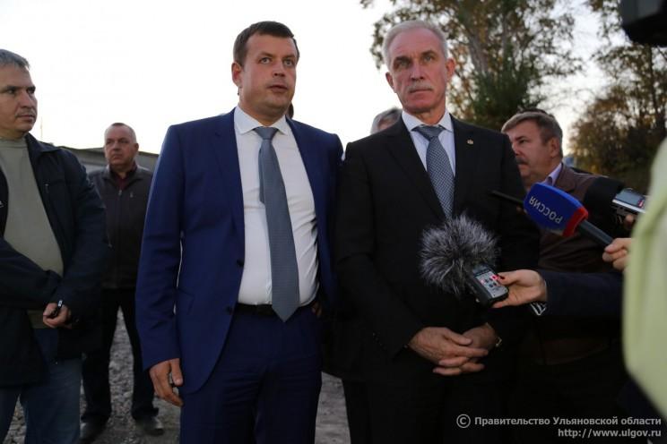 Глава администрации Ульяновска Алексей Гаев (в центре слева) и губернатор Ульяновской области Сергей Морозов (в центре справа).