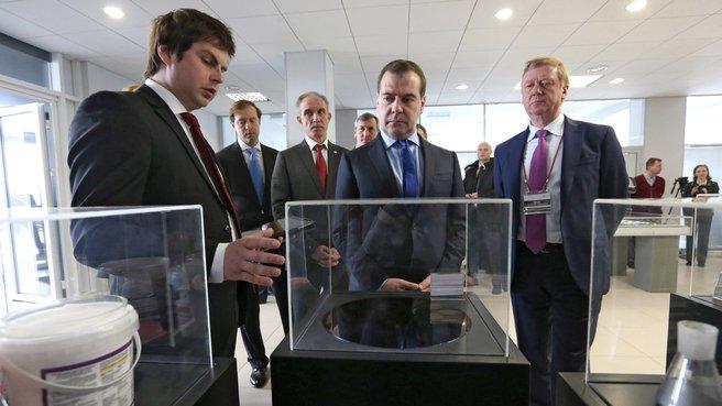 Дмитрий Медведев посещает ульяновски наноцентр, 2014 год