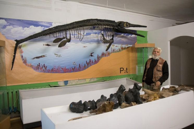 Владимир Ефимов в Ундоровском палеонтологичеком музее