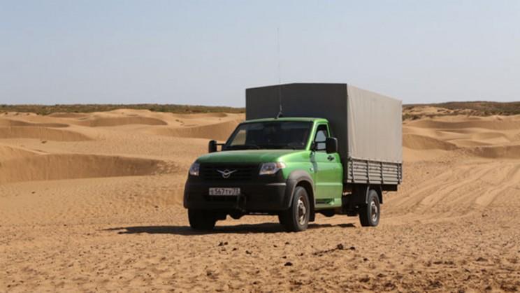 УАЗ Профи в пустыне