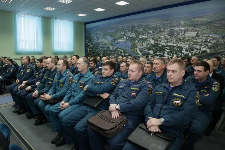 Губернатор Ульяновской области поздравил спасателей с профессиональным праздником 3