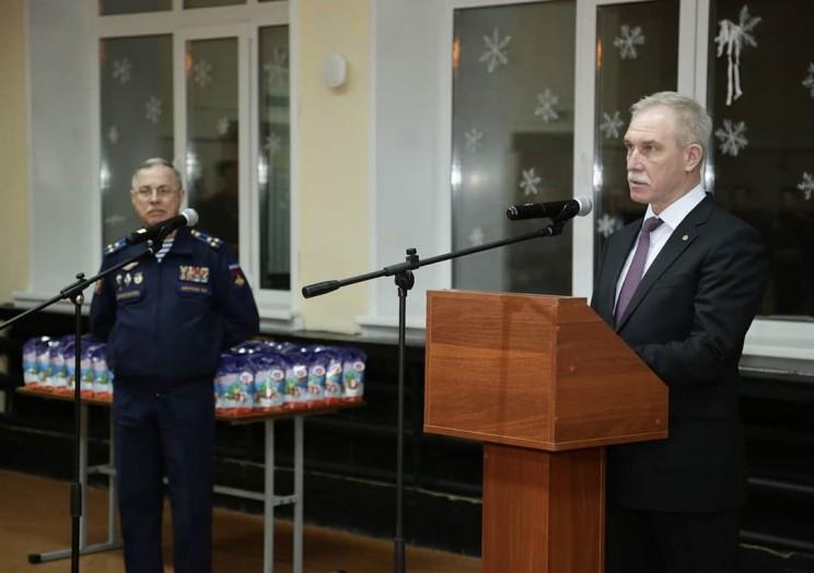Морозов оздравил с наступающим Новым годом отличников учёбы Ульяновского гвардейского суворовского военного училища - 2