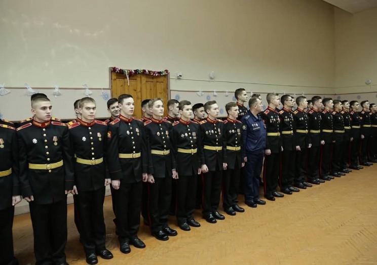 Морозов поздравил с наступающим Новым годом отличников учёбы Ульяновского гвардейского суворовского военного училища 3