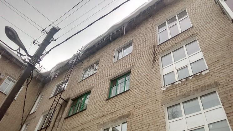 Сергей Морозов поручил председателю правительства взять на особый контроль ситуацию с очисткой зданий и сооружений