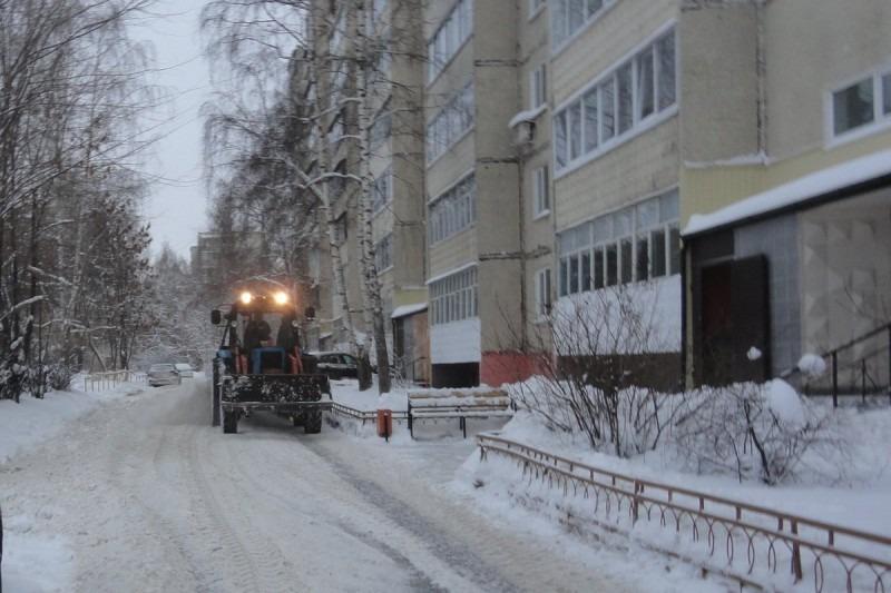 Сергей Морозов: «Поручил председателю правительства усилить работу по очистке дорог, тротуаров от снега и наледи»