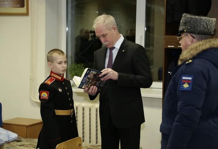 Во время визита в Ульяновское гвардейское суворовское военное училище поздравил с прошедшим днём рождения курсанта Сашу, это мой старший внук -3