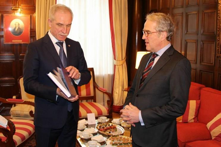 Губернатор Сергей Морозов и посол Германии в России Рюдигер фон Фрич