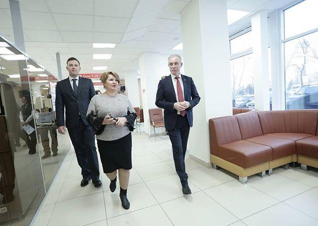 Губернатор Ульяновской области осмотрел многофункциональный центр в Ленинском районе Ульяновска, где с сегодняшнего дня будут консультировать по вопросам защиты прав потребителей