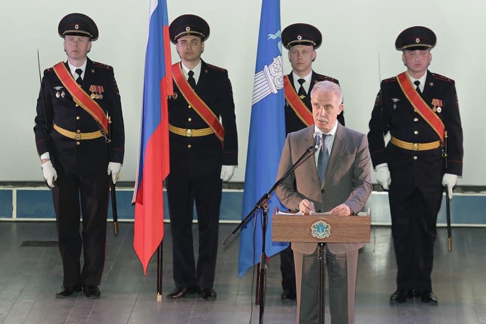 И. о. главы города Вологды Антон Мусихин поздравляет служащих Росгвардии спрофессиональным праздником