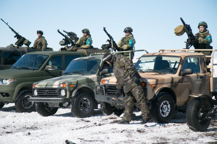 Под Ульяновском показали спецавтомобили на базе «Нивы» и багги «УРА»