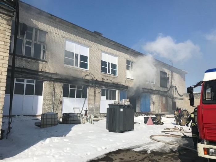 В Ульяновске потушили пожар в цехе трикотажной фабрики