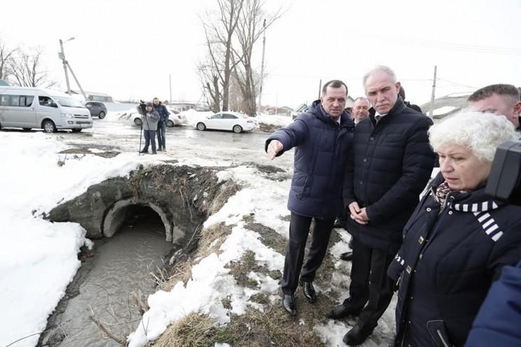 Сергей Морозов пообещал жёсткие меры в отношении должностных лиц, которые не подготовятся к паводку - 1 (рядом Шерстнев)