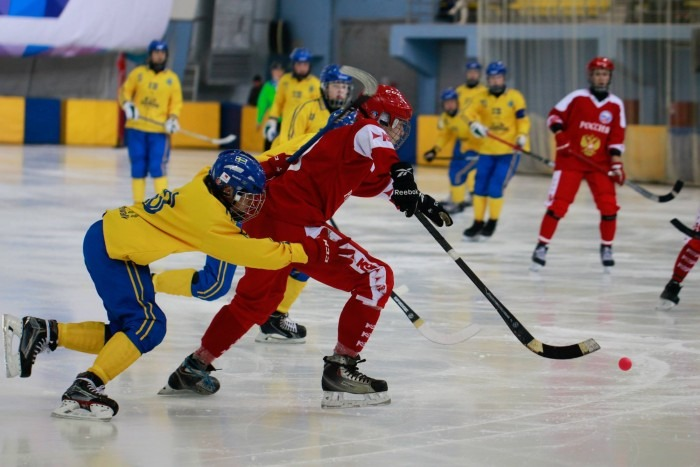 Юношеская сборная России проиграла в финале первенства мира по хоккею с мячом