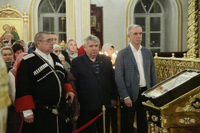 Губернатор Сергей Морозов поздравил жителей Ульяновской области с праздником Пасхи