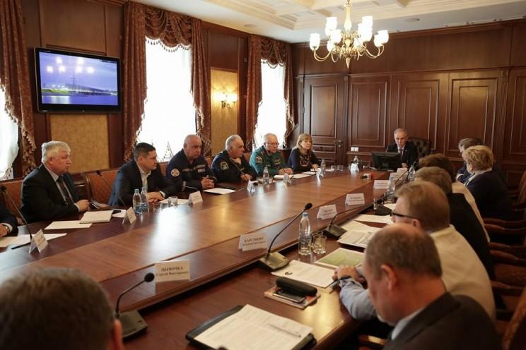Губернатор Сергей Морозов провел заседание комиссии по предотвращению чрезвычайных ситуаций, 20 апреля 2018 - 3