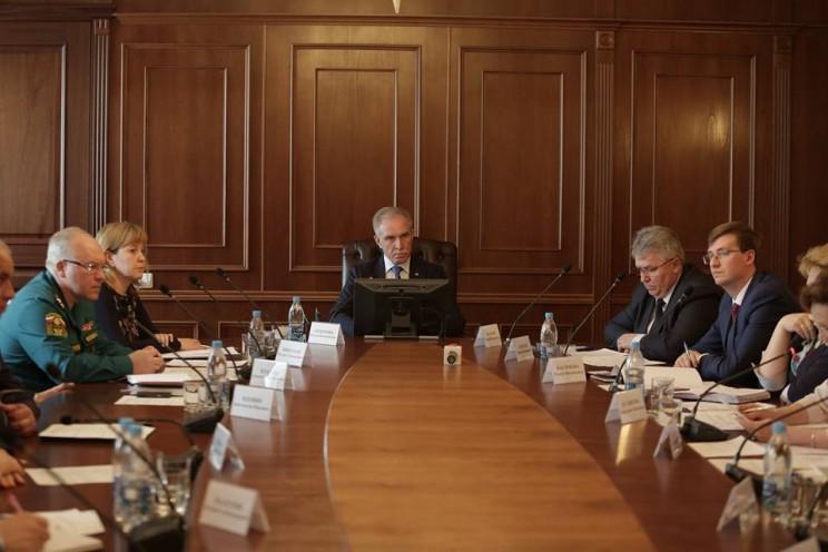 Губернатор Сергей Морозов провел заседание комиссии по предотвращению чрезвычайных ситуаций, 20 апреля 2018