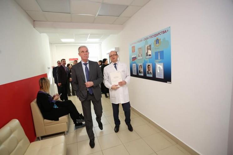 Губернатор Сергей Морозов рассказал о творческом подходе к ремонту помещений ульяновской поликлиники № 5 - 3