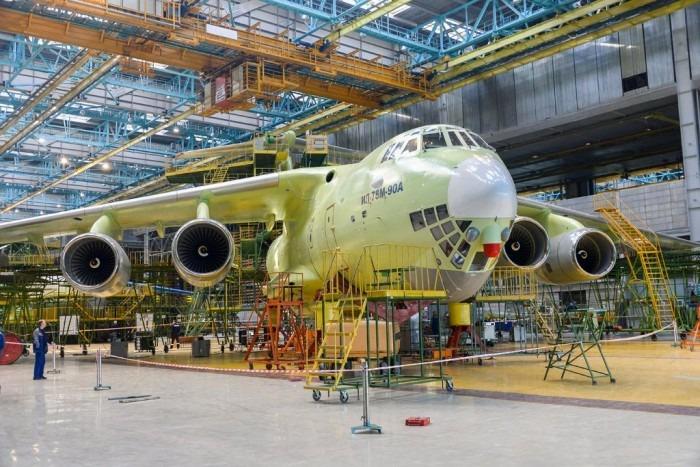 Топливозаправщик Ил-78М-90А успешно прошел наземные частотные испытания в Ульяновске