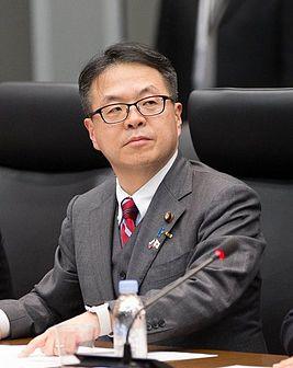 Министр по делам сотрудничества с Россией в области экономики, министр экономики, торговли и промышленности Хиросигэ Сэко