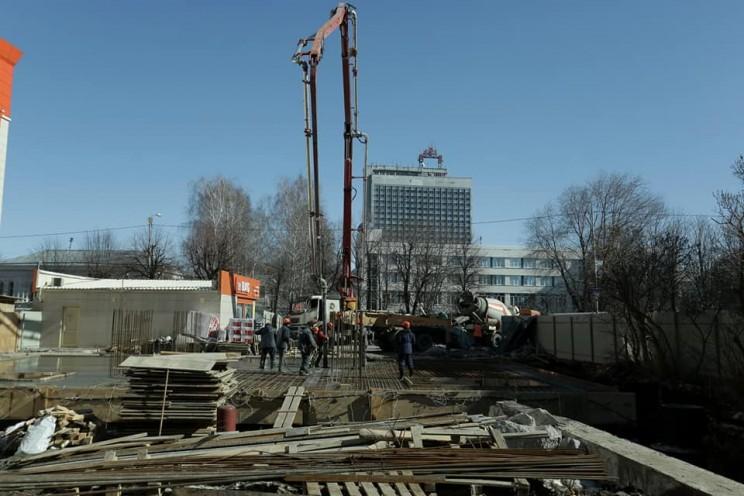 В центре Ульяновска продолжается строительство колокольни Спасского женского монастыря - 2