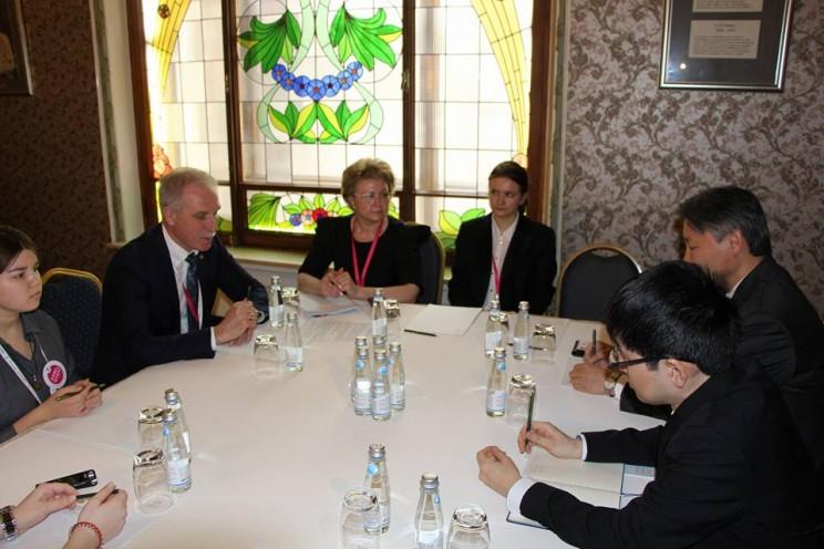 губернатор Сергей Морозов на встрече с главой представительства японской организации по развитию внешней торговли JETRO в Москве Кунихиро Номура, 27 апреля 2018 - 2