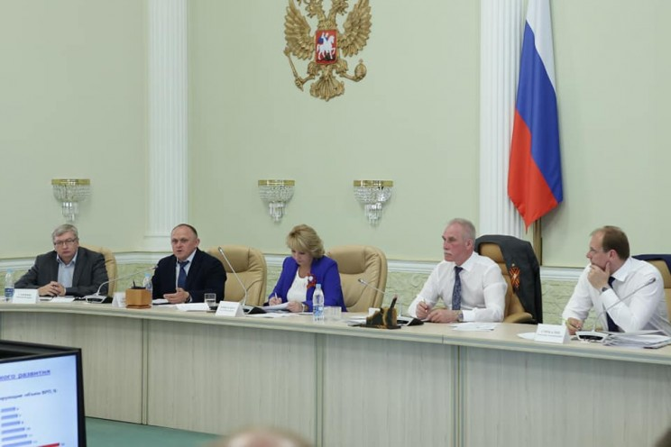 Слева направо: Николай Глинкин, Олег Асмус, Ольга Никитенко, Сергей Морозов, Александр Смекалин