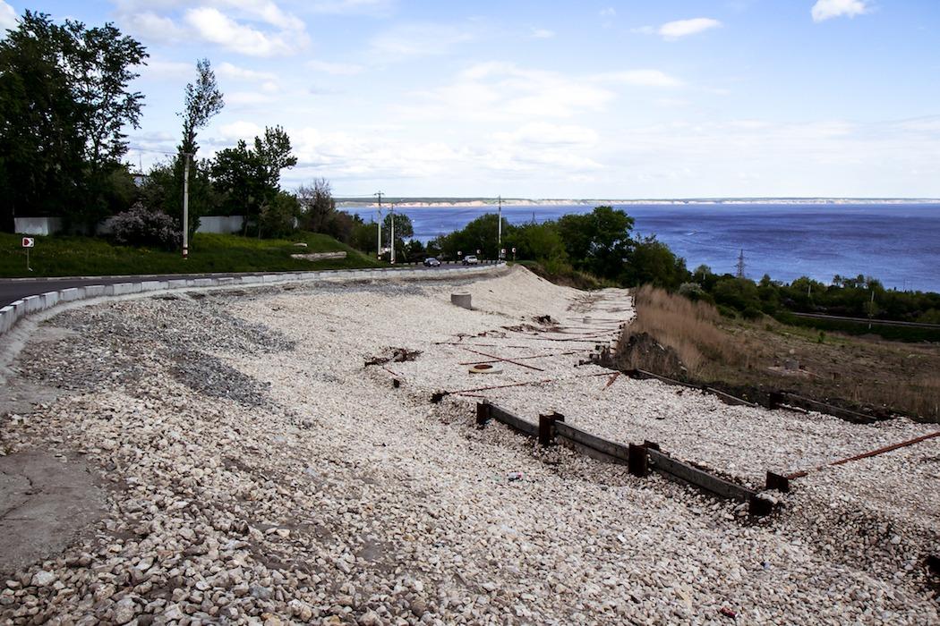 Новый старый оползень в центре Ульяновска: провалилась дорога в речпорт