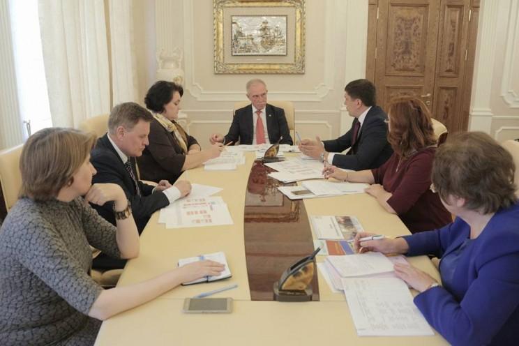 Павел Дегтярь стал заместителем председателя правительства Ульяновской области - министром семейной и демографической политики, 30 мая 2018 года - 4