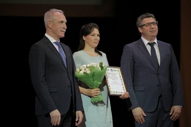 Губернатор Ульяновской области поздравил поздравил с Днем медицинского работника всех, кто связан с этой профессией - 3