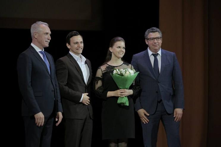 Губернатор Ульяновской области поздравил поздравил с Днем медицинского работника всех, кто связан с этой профессией - 4
