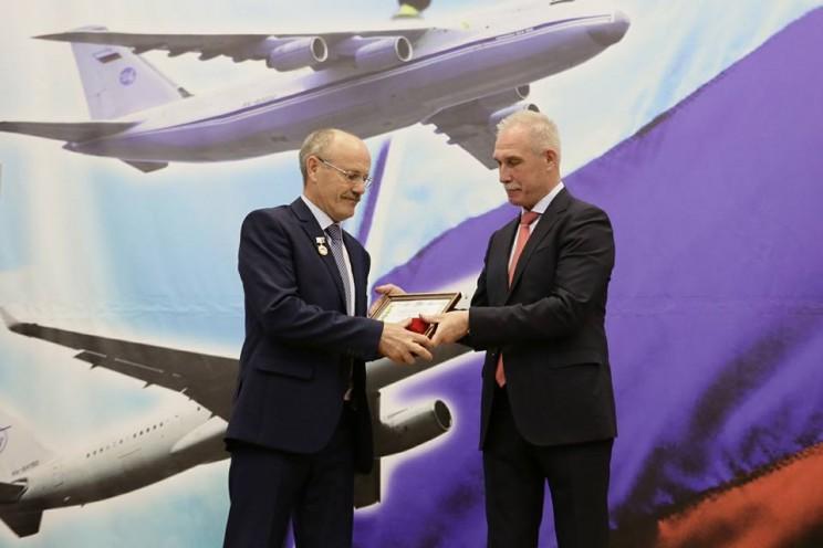 Губернатор Ульяновской области поздравил сотрудников и ветеранов «Авиастара» с 42-ой годовщиной создания завода - 2