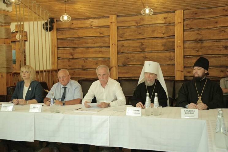 Губернатор рассказал о торжественном открытии и освящении скульптуры «Святая Троица» в парке «Русский берег» - 4