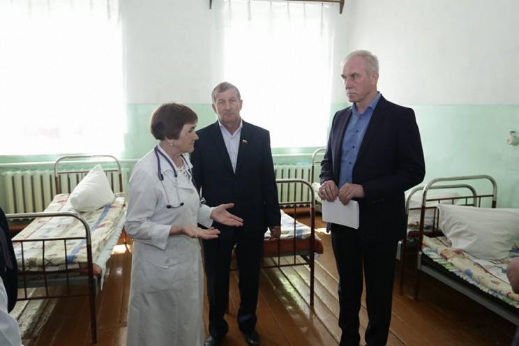 Сергей Морозов поручил разработать программу развития Старотимошкинской участковой больниц - 4