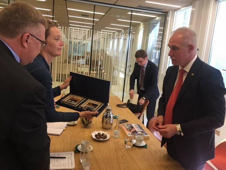 Сергей Морозов рассказал о переговорах с послом Королевства в России Томасом Винклером и представителями министерства экономики Дании, 8 июня 2018 - 3