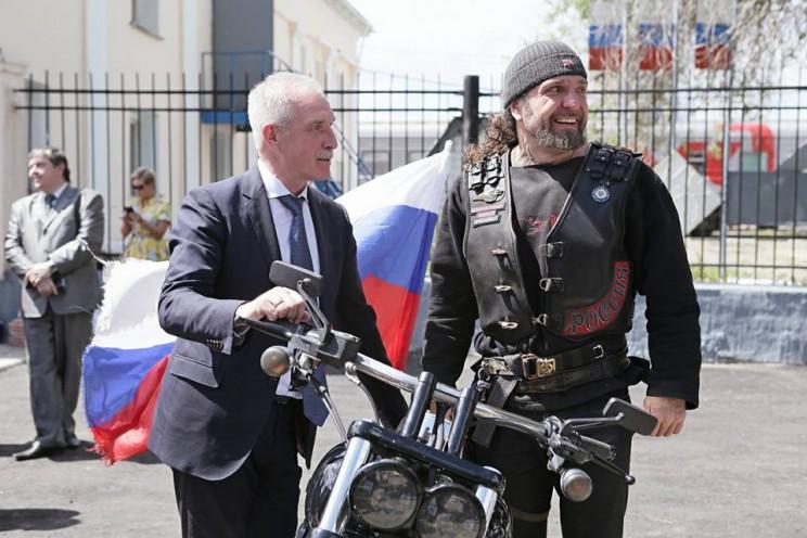 В Ульяновской области открыли памятный знак «Дороги Великой Победы» - 3