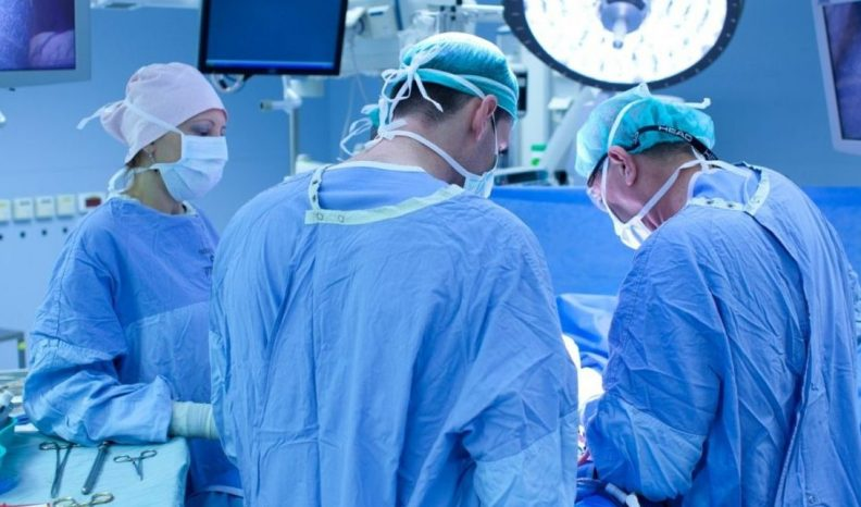 Ульяновские хирурги провели успешную операцию на работающем сердце