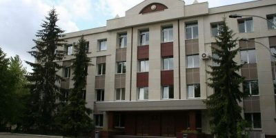 Прокуратура просит направить на лечение мужчину, захватившего заложника в Ульяновске