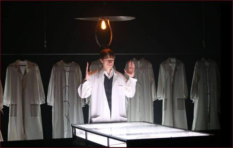 Театр из Петербурга показал на фестивале «Золотая маска» спектакль по Булгакову