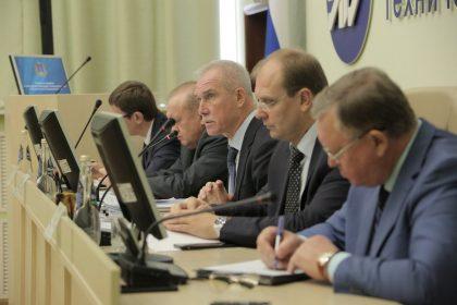 Глава Ульяновской области сократил зарплату себе и другим чиновникам