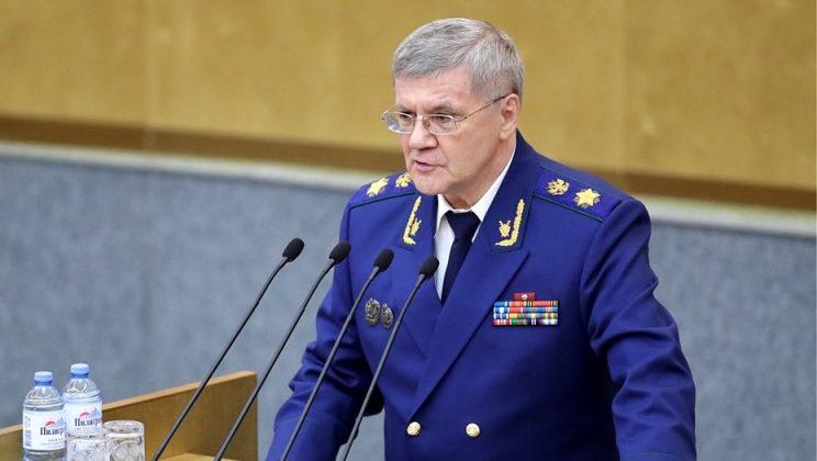 Генерального прокурора РФ попросили проверить зарплаты младшего медперсонала